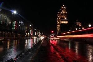 Avenida Madero y catedral de Morelia