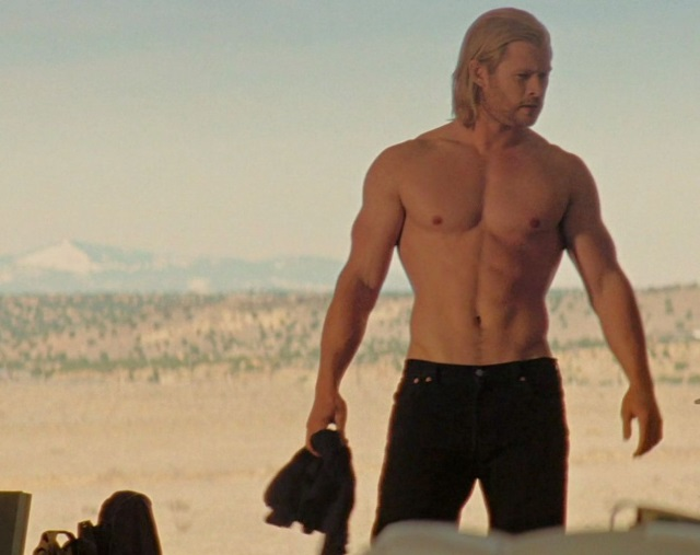 thors-glorious-body-a-glance-back-on-chris-hemsworth-4
